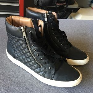 Leather Steve Madden shoes